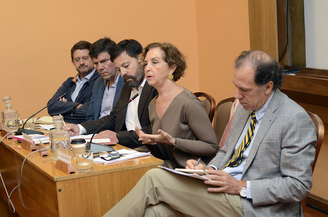 Seminario Restricciones vehiculares para combatir la contaminación y la congestión en Santiago