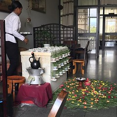 They showed us today how to prepare, in a traditional way, Ethiopian coffee...delicious