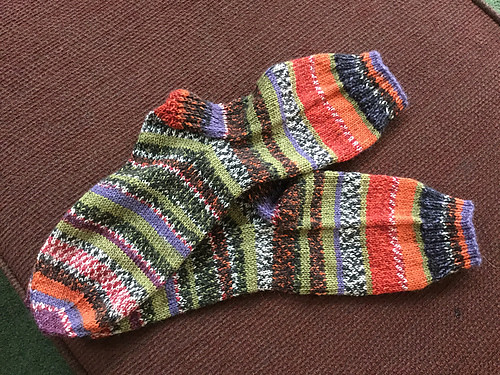 Deb also finished a pair of socks!