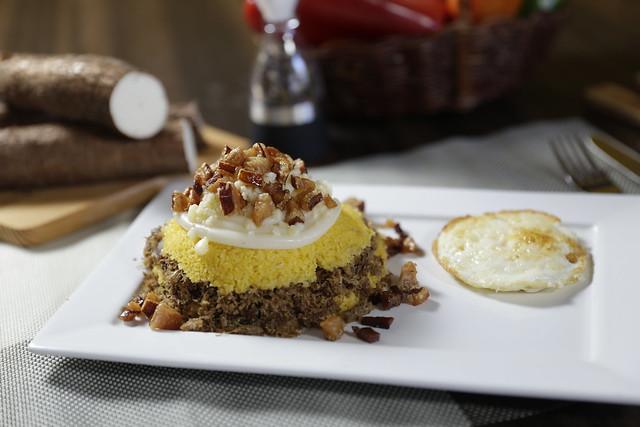 Os pratos podem vir acompanhados de ingredientes regionais, como a carne de bode ou ovos, ou até mesmo bacon e catupiry - Créditos: Andréa Lenni Luz