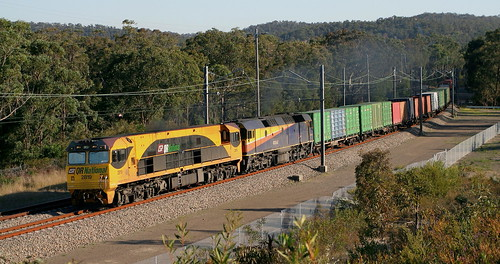 2819 & 42202 QRN #1451 YENNORA TO BROADMEADOW TRIP SERVICE APPROACHING FASSIFERN 19th Sept 2006.