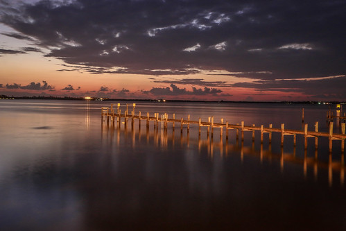pier glow light dawn pewdawn sunrise water river indianriver logaoon indianriverlagoon sky clouds cloudy weather nature morning reflection jensenbeach florida usa
