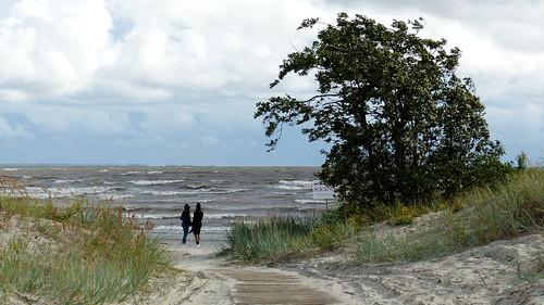 crainolampinen 2018 201808 20180812 august balticsea beach eesti estonia fz200 geo:lat=5837506860 geo:lon=2449375670 geotagged kesklinnarand pärnu pärnumaa sandy seashore shore summer waterfall viro est