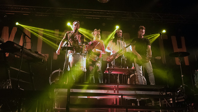 WalkOffTheEarth32