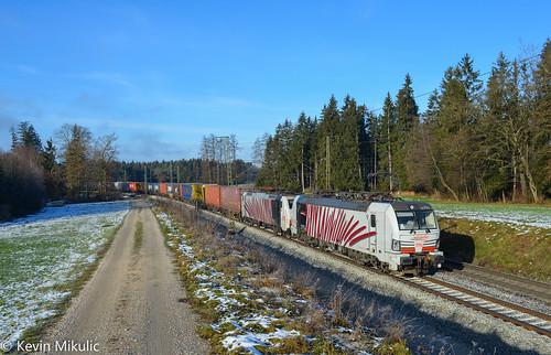 Lokomotion 193 774 + 189 905 als 41851 Krefeld - Triest in Amersberg