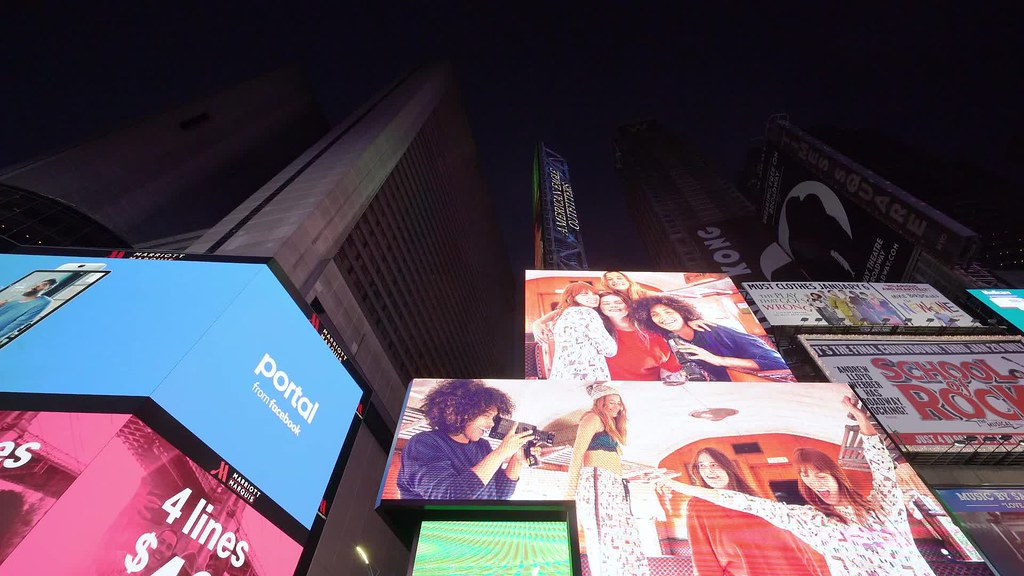 Times Square Pan Clip 5 112118 HD with music