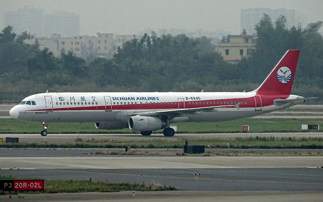 Sichuan Airlines Airbus A321 B-6845