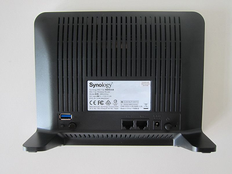 Synology Mesh Router MR2200ac - Back