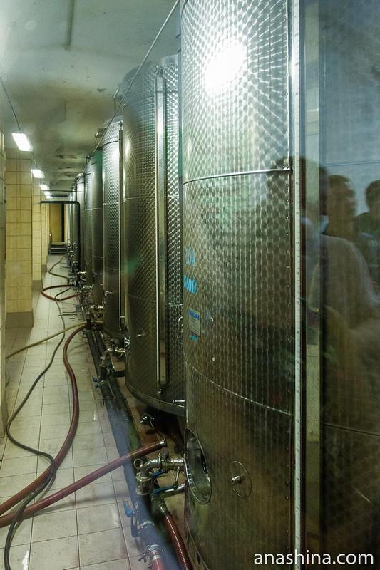 """Цех фильтрации вина, Винзавод """"Массандра"""", Ялта, Крым"""