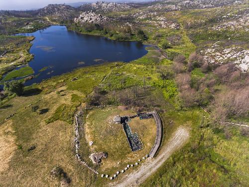 Vouzela: dólmen de Meruje