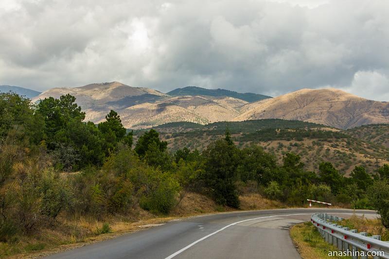 Дорога в горах, Крым