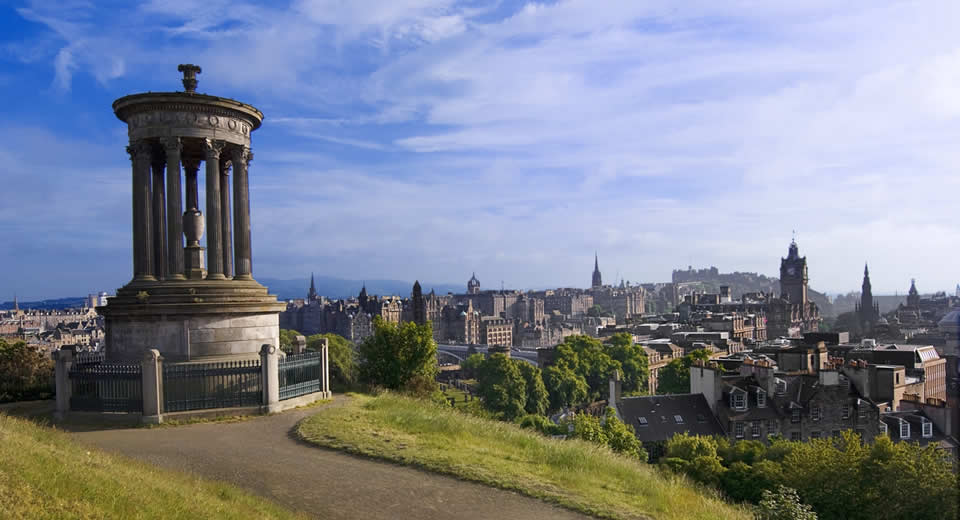 Bezienswaardigheden Edinburgh: Calton Hill (foto: Graig Easton) | Mooistestedentrips.nl