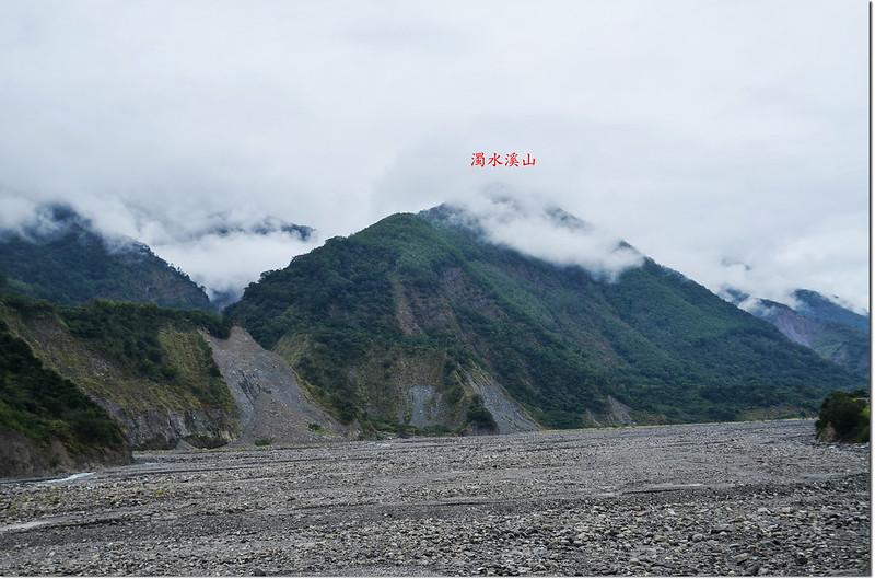 南橫公路望濁水溪山(中)