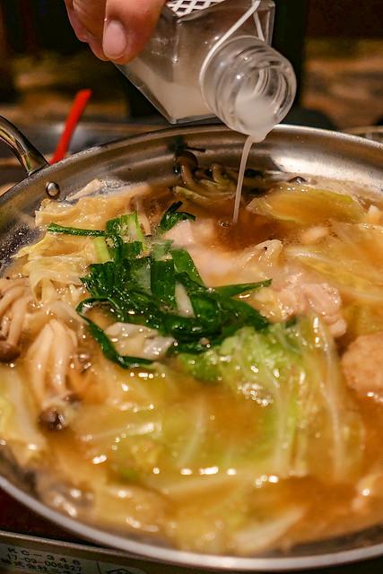 花泉 鶏味噌鍋 日本酒原価酒蔵 池袋店