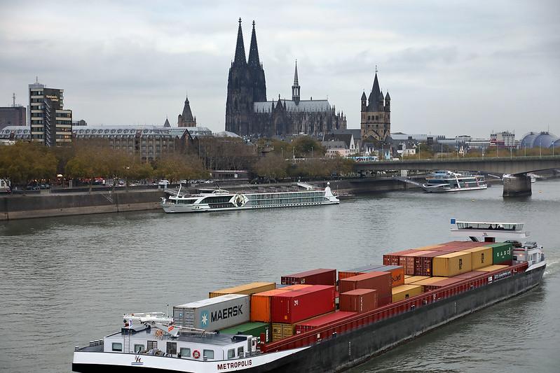 Departing Köln