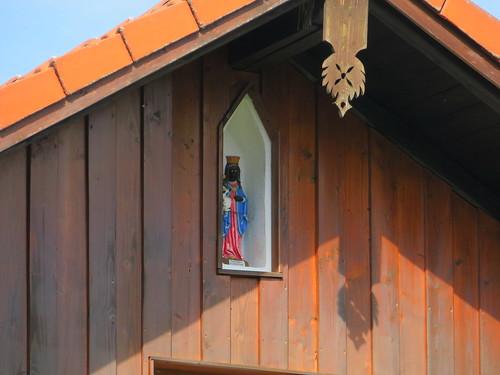 20170929 02 495 ostbay Rattenberg Hausfassade Statue schwarze Madonna