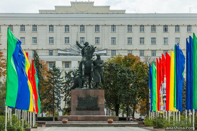 Монумент Первоконникам, Ростов-на-Дону