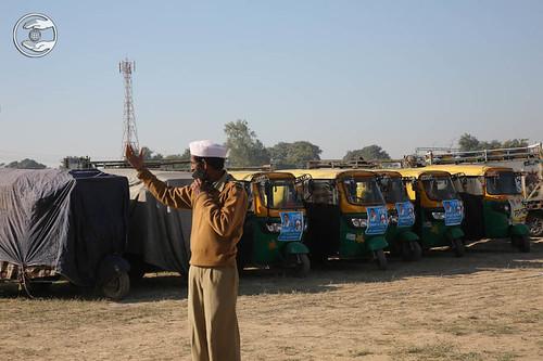 Devotees rendering Selfless Service