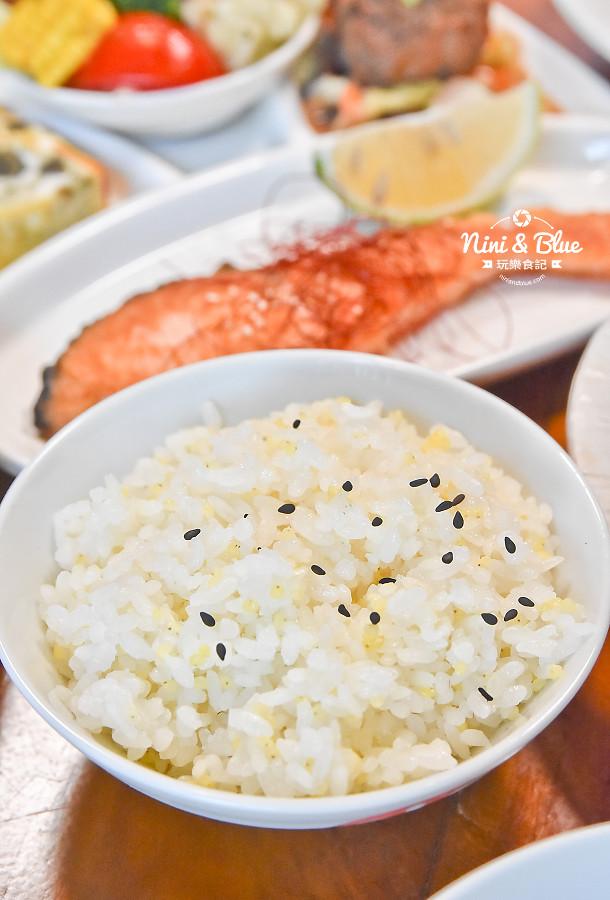 東麗風店 茶花 咖啡 台中咖啡館11
