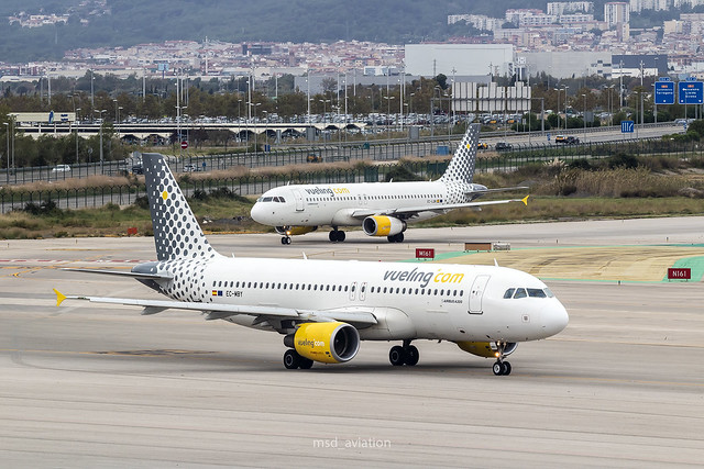 Airbus A320-214 EC-MBY Vueling, Canon EOS 1300D, Tamron SP 35mm f/1.8 Di VC USD + 2x