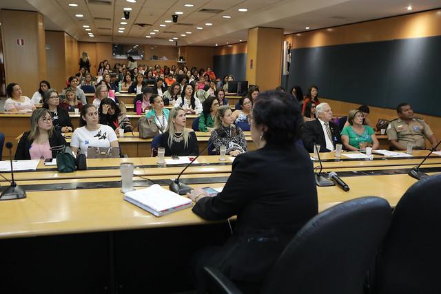Teleconferência leva inovação ao congresso de Bancos de Leite Humano