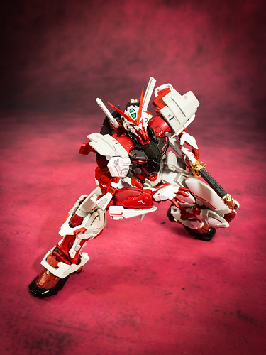 HiRM_Astray_Red_Frame_26