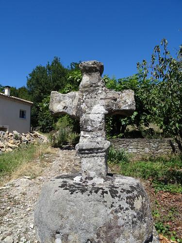 2018-08-15 - Ardèche, Rando autour de Saint-Privas (21), Croix des lépreux, en pierre