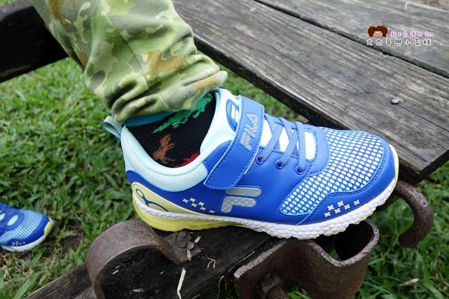 FILA 兒童氣墊慢跑鞋 足弓支撐鞋墊 (2)