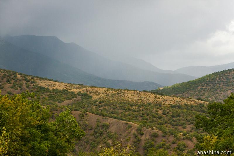 Дождь в горах, Крым