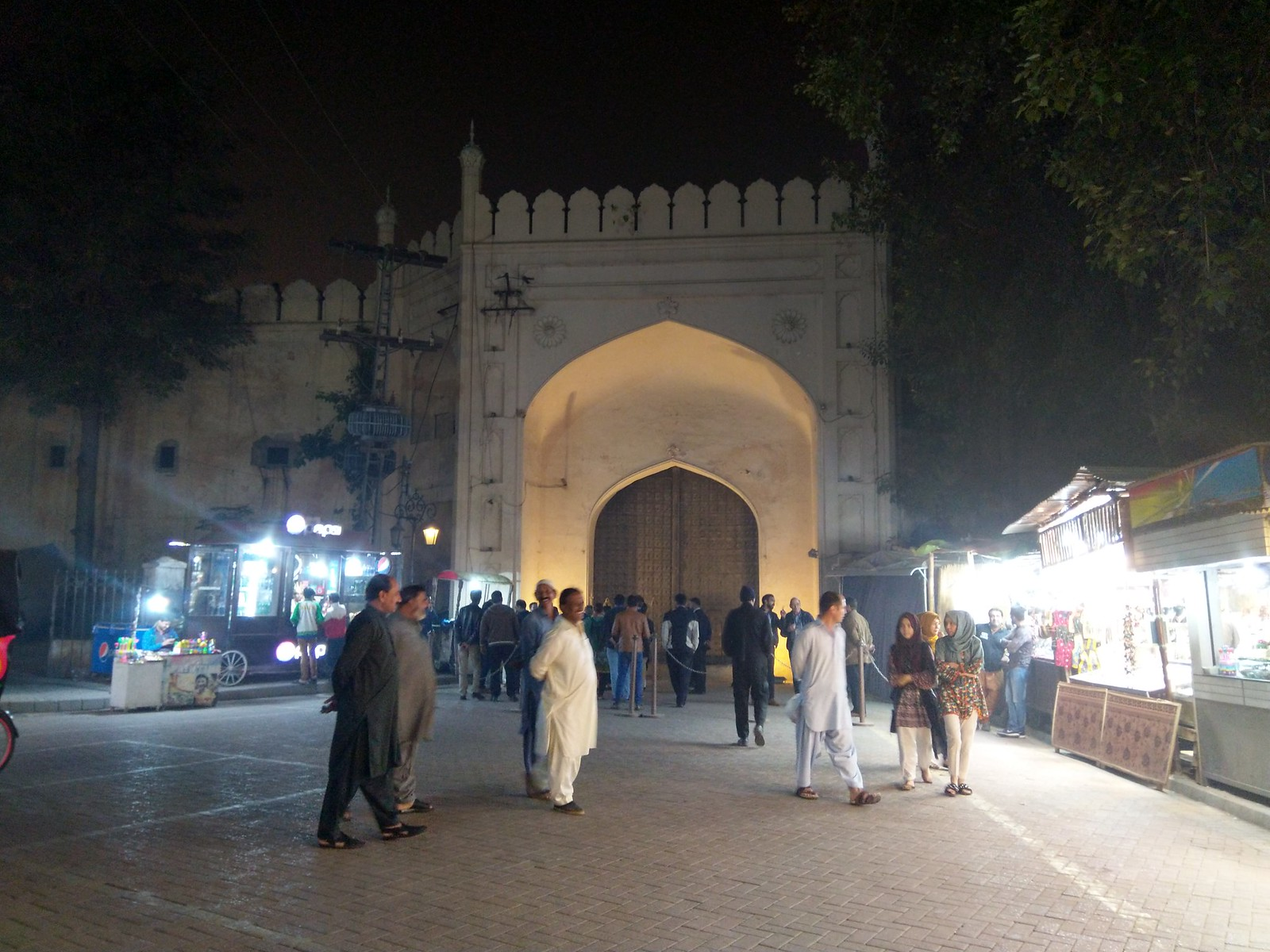 lahore fort door at night