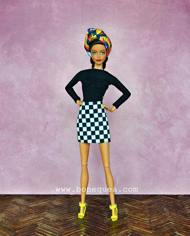 Barbie Look Chic Pool wearing Fashionistas #104 outfit
