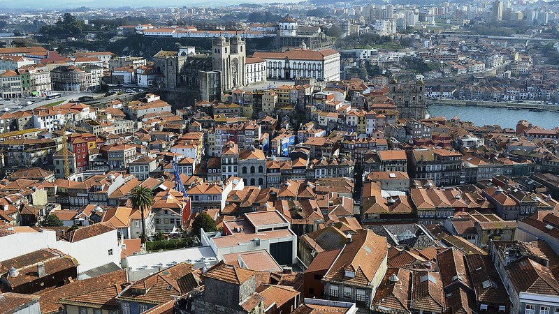 Porto_360º_I_(7107579481)_(cropped)
