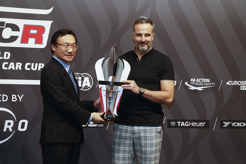 MULLER Yvan, (fra), Hyundai i30 N TCR team Yvan Muller Racing, portrait prize giving ceremony  during the 2018 FIA WTCR World Touring Car cup of Macau, Circuito da Guia, from november  15 to 18 - Photo Francois Flamand / DPPI