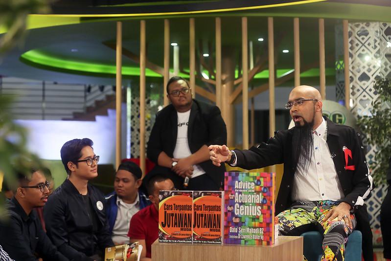 Dato' Sri Mahadi Badrul Zaman memberikan motivasi & pandangan dalam Open Floor