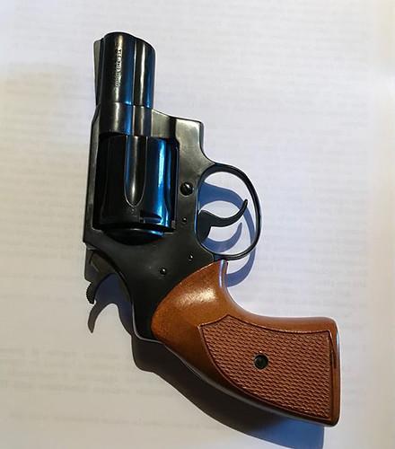 consegna-pistola-onorevole-vincenzo-mattina-1