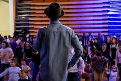 13 novembre 2018 - Bouba Colorz, danseur reconnu de hip-hop et de break, organise un grand bal avec l'aide des danseurs de l'atelier des artistes en exil. Entre démonstration et danses avec le public aux sons de DJ Senka, la soirée sera animée !  Un bal dirigé par Bouba Colorz (Centrafrique). Musique DJ Senka (France). Avec les danseurs de l'atelier des artistes en exil : Ibrahim Dialo, Mahmoud El Haddad, Cleve Nitumbi, Karim Sylla, Lassine Traoré, Soumaila Tounkara.  Photo : Anne Volery © Palais de la Porte Dorée