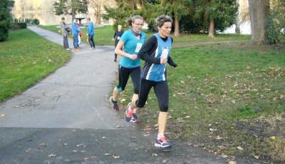 Běh 17. listopadu vyhráli Leplt a Veigertová
