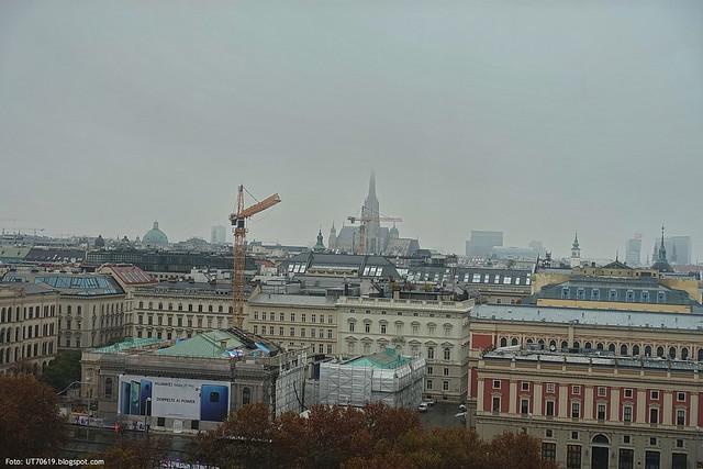 Stephansdom im Nebel