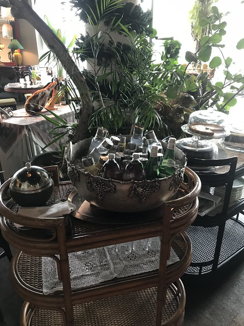 Manila House, drinks cart
