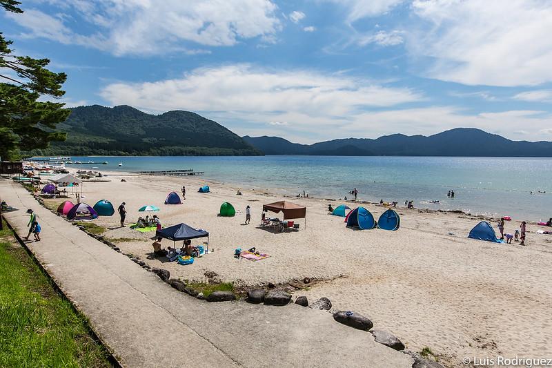 Playa del lago Tazawa