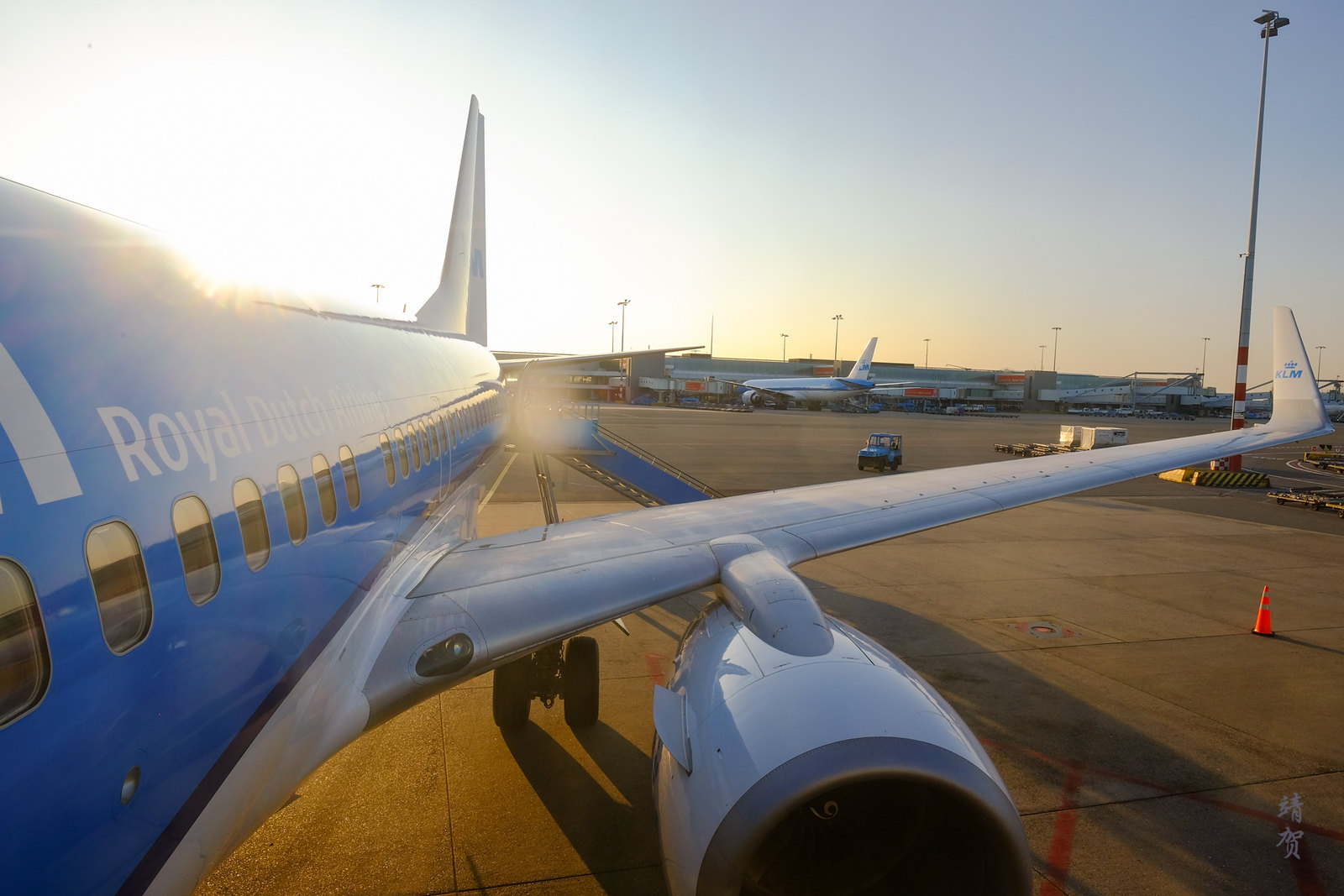 Boarding the KLM 737