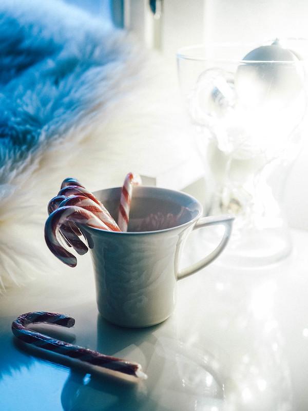 PC104210, joulu, chritsmas, decor, sisustus, koti, home, karkkitangot, candy cones, piparminttu tangot,