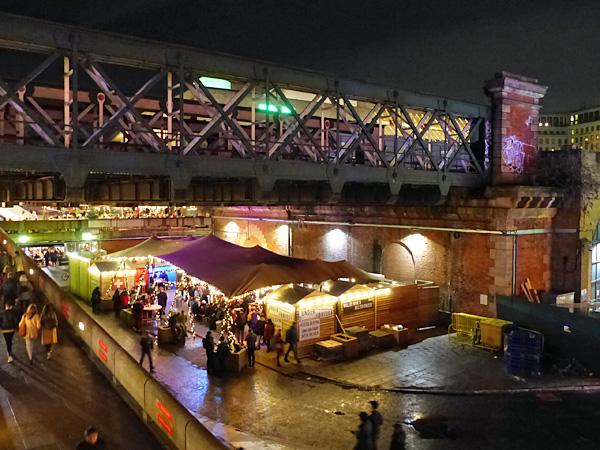 marché sous le pont