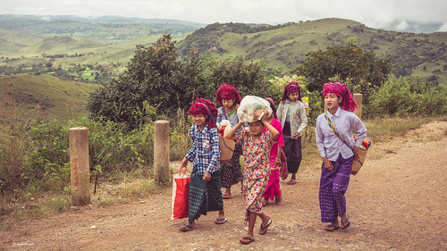 Little girls from Pao tribe.