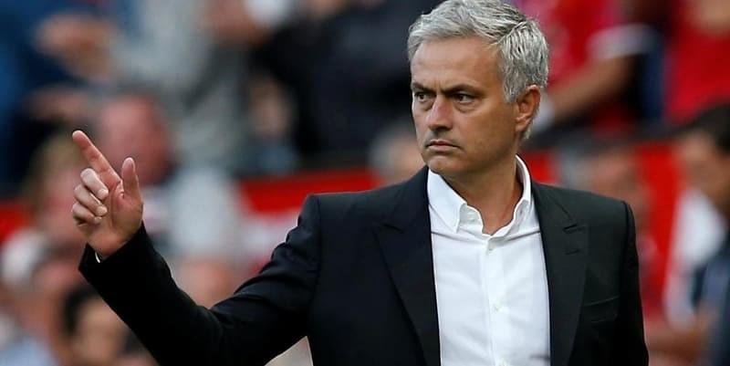 Seedorf meragukan Mourinho akan bertahan di Man Utd