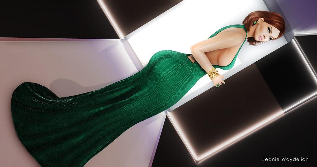 LOTD 1117 - Green Xmas <3