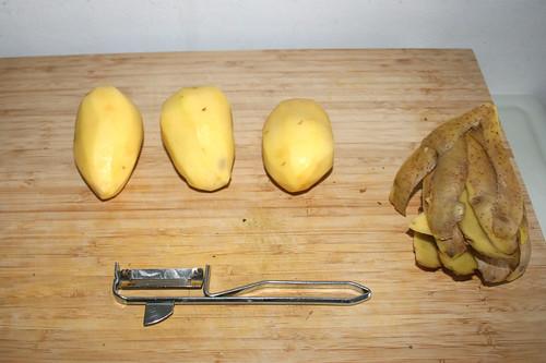 50 - Kartoffeln schälen / Peel potatoes