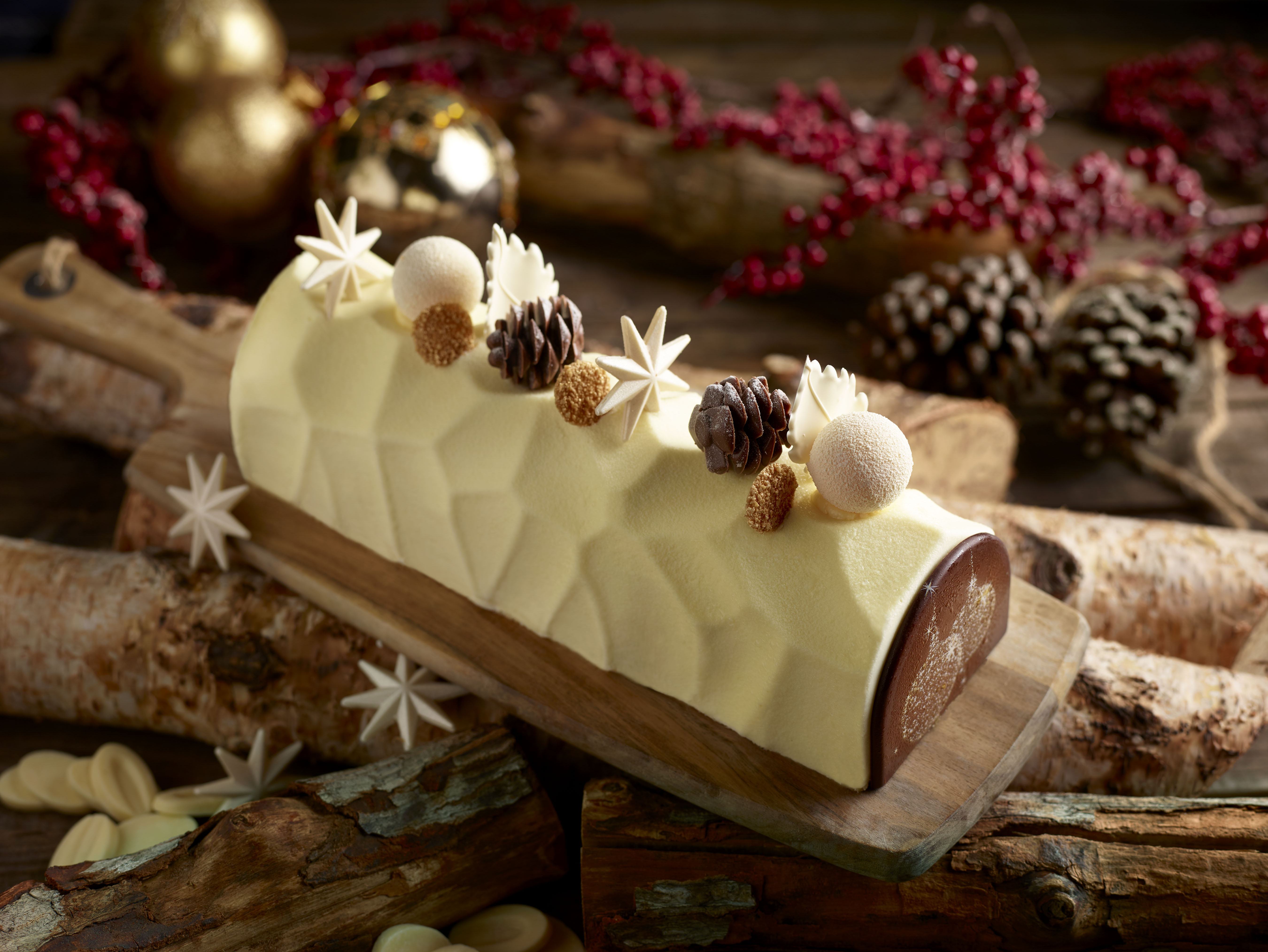Ellenborough市场Cafe_Ivory芙娜圣诞柴与潘丹颤音,白芝麻慕斯与青木红豆