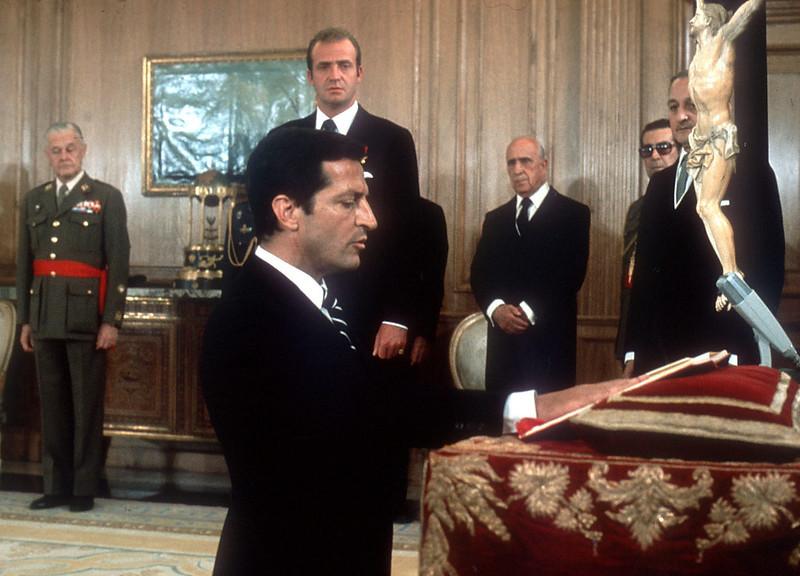 nuevo-presidente-Gobierno-jurando-Rey_1148595267_70226678_1424x1024