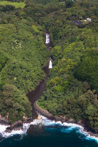 waterfall hawaii helicoptertour bigisland papaikou unitedstates us